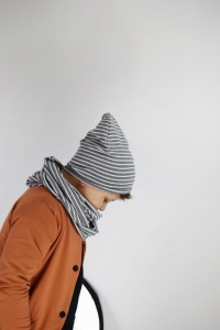 Czapka stripes gray